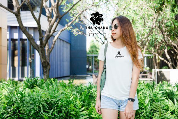 asian hipster girl long brown hair white blank t shirt is standing middle street1 scaled